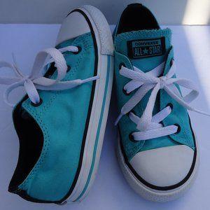 SIZE 10.Converse All Star Low Top Chucks sneaker.